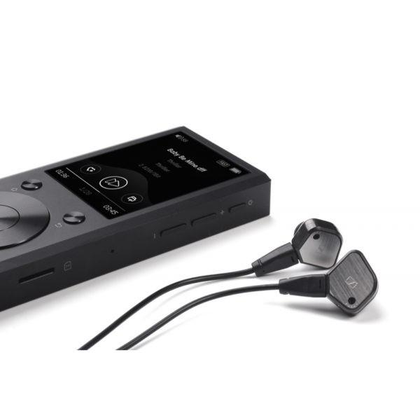 Aune M1s with headphones