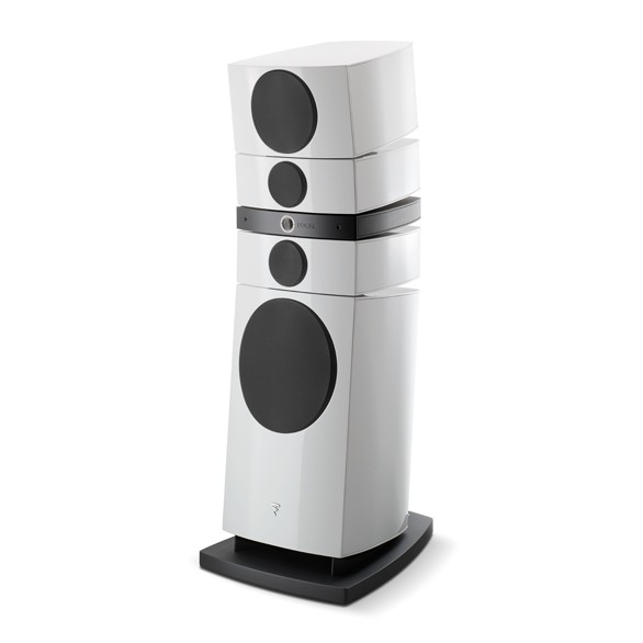 Focal Grande Utopia EM EVO with grille