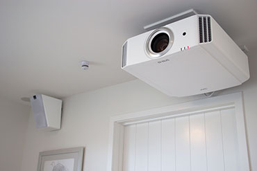 How to Install a Home Theatre Projector and Screen
