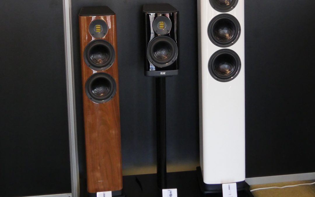 Floorstanders or Bookshelf Speakers with Subwoofer