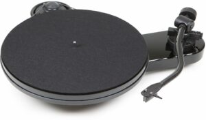 Rapallo | Pro-Ject RPM 3 Carbon Turntable with Ortofon 2M Silver Cartridge