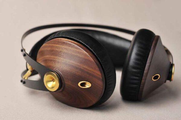 Rapallo   Meze Audio 99 Classics Walnut Gold Wood Headphones